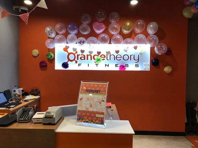 オレンジセオリーフィットネスのフロントエリア